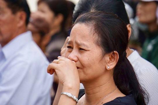 Nước mắt rơi khi ông Sáu Khải về với đất mẹ - Ảnh 5.