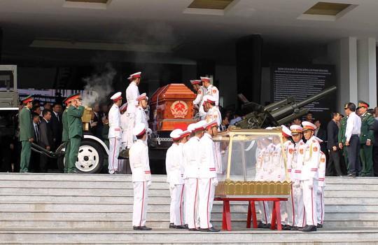 Cố Thủ tướng Phan Văn Khải đang trên đường về đất mẹ - Ảnh 25.