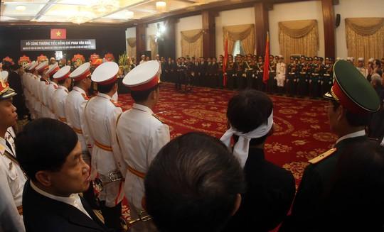 Cố Thủ tướng Phan Văn Khải đang trên đường về đất mẹ - Ảnh 23.