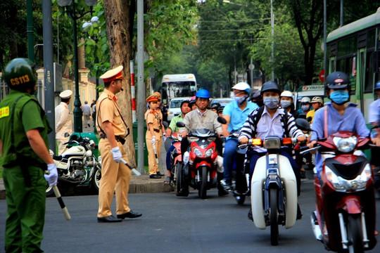 Cố Thủ tướng Phan Văn Khải đang trên đường về đất mẹ - Ảnh 38.