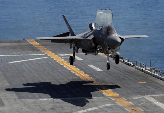 """Tia chớp"" F-35 của Mỹ ra oai - Ảnh 1."