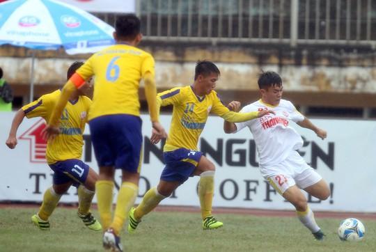 VCK U19 quốc gia 2018: Hà Nội suýt chết, TP HCM hẹp cửa - Ảnh 1.