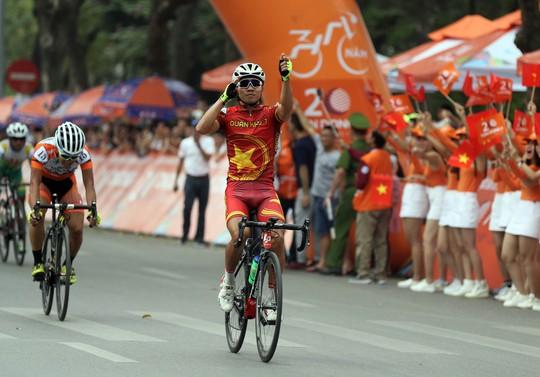 Huỳnh Thanh Tùng giành cú ăn 3 ở chặng 4 Cúp Truyền hình TP HCM - Ảnh 6.