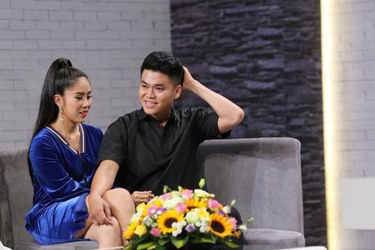 Góc khuất rớt nước mắt của 2 mối tình chị em nổi tiếng trong showbiz Việt - Ảnh 8.