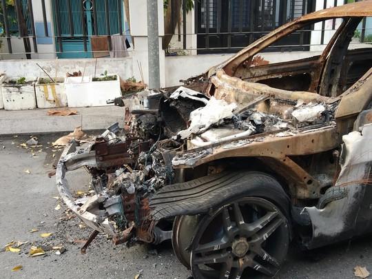 Lộ dấu hiệu sai phạm động trời trong vụ cháy chung cư Carina - Ảnh 2.