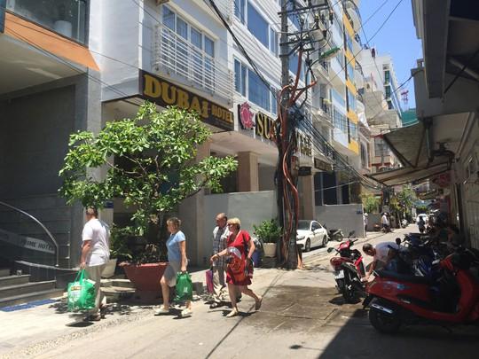 Khánh Hòa: Khách sạn xem thường bà hỏa - Ảnh 1.