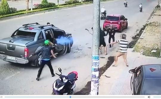 Vụ nổ súng, chém nhau ở Nhơn Trạch: Giám đốc công ty bảo vệ nổ súng - Ảnh 2.