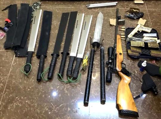 Vụ nổ súng tại Đà Lạt: phát hiện kho vũ khí cạnh nhà nạn nhân - Ảnh 1.