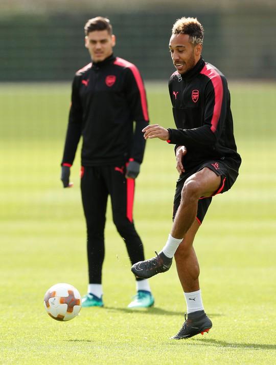 Arsenal - CSKA Moscow: Wenger đau đầu với thủ môn - Ảnh 6.