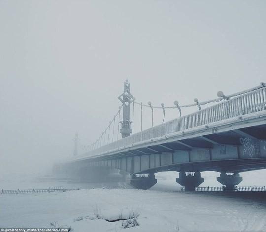 Ở ngôi làng Cực lạnh: Lạnh tới nỗi nhiệt kế đột quỵ - Ảnh 3.