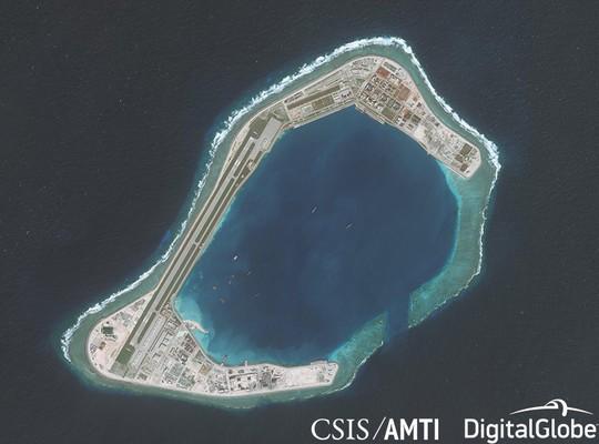 Trung Quốc điều máy bay quân sự ra Đá Xu Bi ở biển Đông - Ảnh 1.