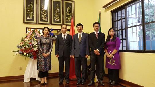 Cận cảnh Đại sứ Việt Nam trình Quốc thư lên Tổng thống Mozambique - Ảnh 7.