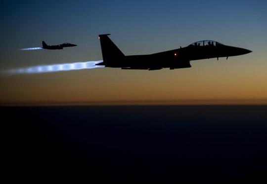 Quân đội Syria tố bị liên quân Mỹ không kích - Ảnh 1.