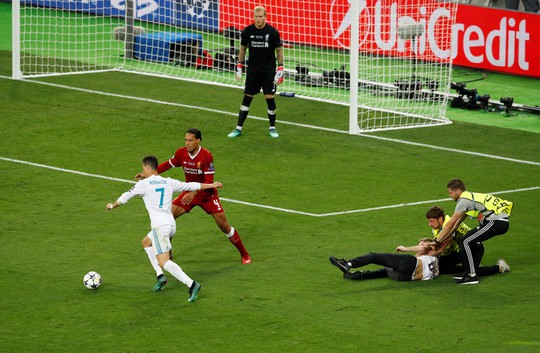 Real Madrid vô địch, Bale và Ronaldo ra tối hậu thư chia tay - Ảnh 4.