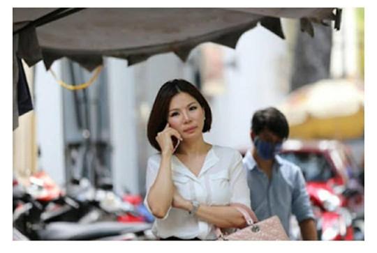 Bắt khẩn cấp vợ cũ bác sĩ Chiêm Quốc Thái tại sân bay - Ảnh 1.