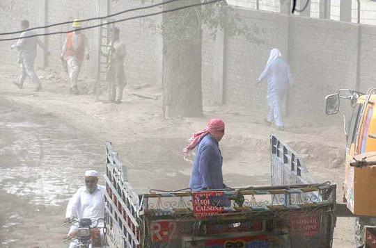 Pakistan nóng kinh hoàng - Ảnh 1.