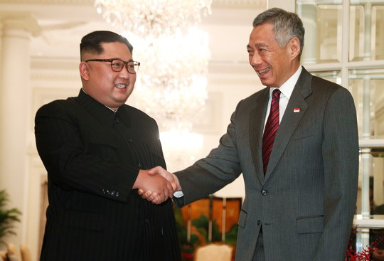 Thủ tướng Singapore tiếp ông Kim Jong-un - Ảnh 1.