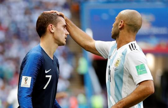 Pháp - Argentina 4-3: Mbappe được so sánh với Pele, Ronaldo béo - Ảnh 2.