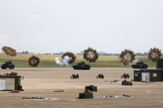 Bị Trung Quốc đe dọa, Đài Loan tập trận lớn - Ảnh 6.