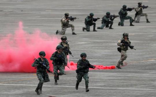 Bị Trung Quốc đe dọa, Đài Loan tập trận lớn - Ảnh 2.