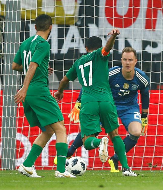 Xe tăng Đức càn phá, Ả Rập Saudi lập hat-trick thua - Ảnh 6.