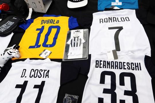 Ronaldo chính thức gia nhập Juventus với giá 105 triệu bảng - Ảnh 2.