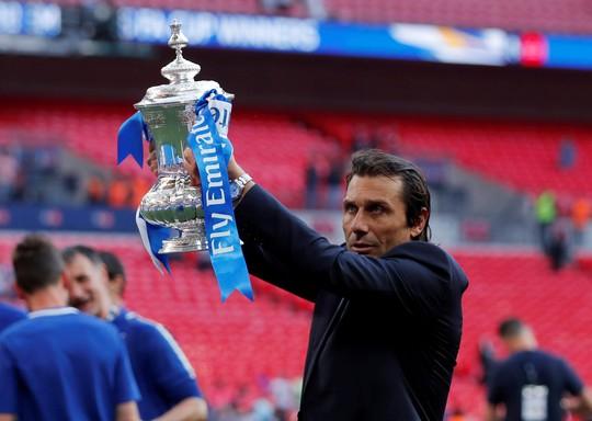 Chelsea sa thải  HLV Conte, đền bù 9 triệu bảng - Ảnh 1.