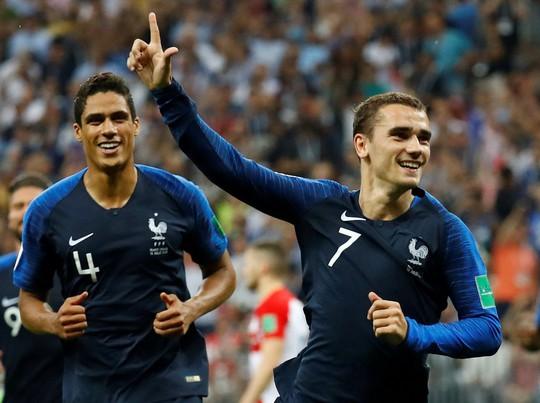 Griezmann đã chuẩn bị sẵn áo đấu tuyển Pháp gắn 2 sao trước trận chung kết - Ảnh 2.