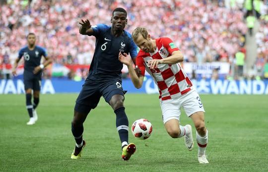 Mourinho khích Paul Pogba - Ảnh 1.