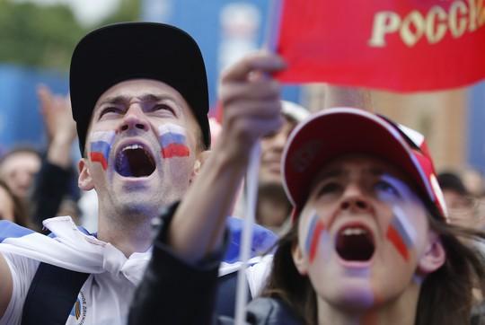 Nước Nga không ngủ sau chiến thắng trước Tây Ban Nha - Ảnh 2.