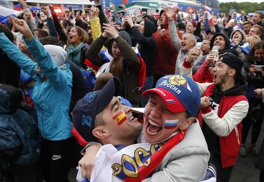 Nước Nga không ngủ sau chiến thắng trước Tây Ban Nha - Ảnh 3.