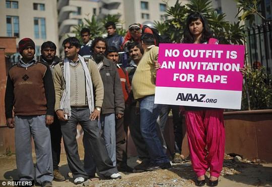 Ấn Độ: Cô bé 15 tuổi bị 4 thanh niên liên tục cưỡng hiếp - Ảnh 2.