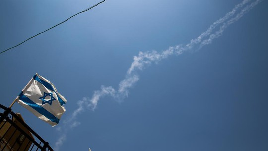 Israel tuyên bố bắn hạ tiêm kích Syria xâm nhập không phận - Ảnh 2.