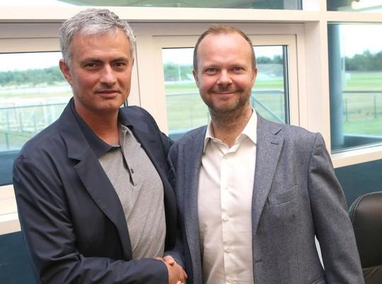 Mourinho tuyệt vọng trong thương vụ Harry Maguire - Ảnh 1.