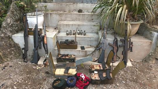 Họp báo vụ đấu súng vây bắt 2  trùm ma túy ở Lóng Luông - Ảnh 3.