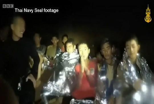 Thái Lan: Vì sao đội bóng nhí mạo hiểm đi vào hang? - Ảnh 4.