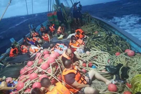 Thái Lan: 3 vụ lật tàu cùng ngày, 40 người thiệt mạng  - Ảnh 3.