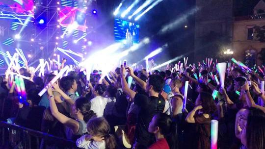 Lửa mùa hè với  Boney M tại Nha Trang - Ảnh 9.