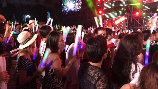 Lửa mùa hè với  Boney M tại Nha Trang - Ảnh 10.
