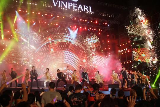 Lửa mùa hè với  Boney M tại Nha Trang - Ảnh 1.
