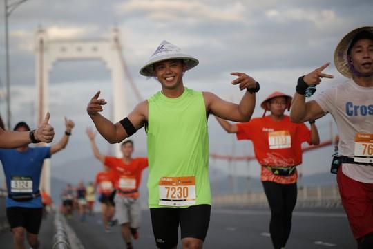 VĐV Suzaki Yuuya về nhất 42 km, cuộc thi Marathon Quốc tế Đà Nẵng - Ảnh 10.