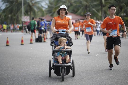 VĐV Suzaki Yuuya về nhất 42 km, cuộc thi Marathon Quốc tế Đà Nẵng - Ảnh 16.