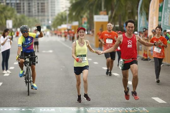 VĐV Suzaki Yuuya về nhất 42 km, cuộc thi Marathon Quốc tế Đà Nẵng - Ảnh 9.
