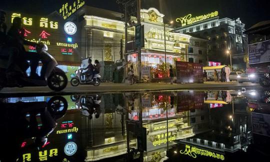 Campuchia phá đường dây mại dâm Trung Quốc ở Sihanoukville - Ảnh 1.