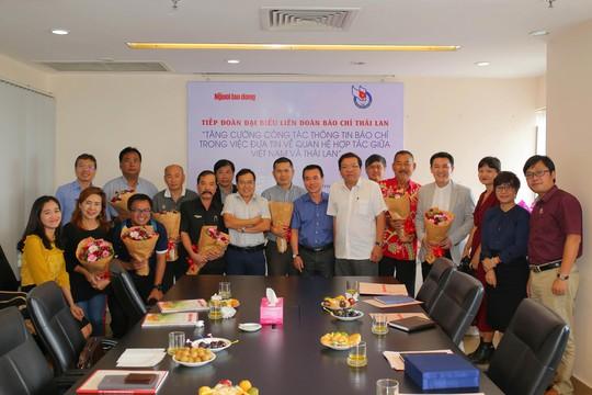 Liên đoàn Báo chí Thái Lan thăm Báo Người Lao Động - Ảnh 1.