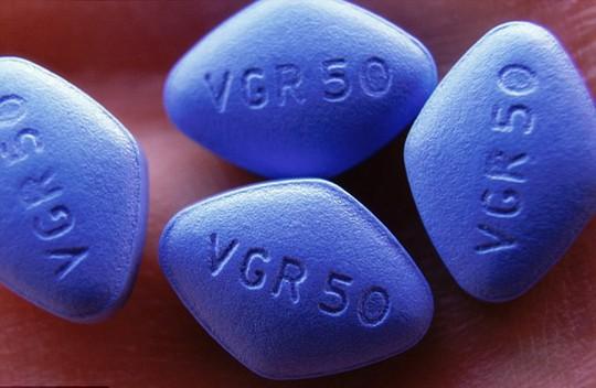 Suýt mất súng sau khi dùng Viagra - Ảnh 1.