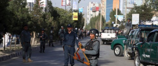 Taliban, IS trỗi dậy đẫm máu ở Afghanistan - Ảnh 1.