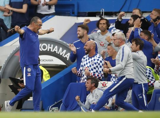 Thua Chelsea, vua săn danh hiệu Emery khởi đầu tệ tại Arsenal - Ảnh 3.
