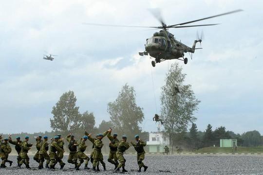 Trung Quốc tận dụng hội thao quân sự để tiếp thị vũ khí - Ảnh 1.