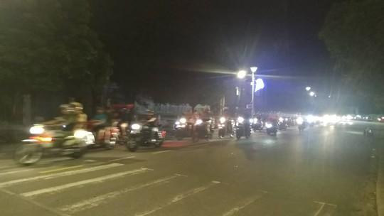 Mừng kỳ tích Olympic Việt Nam: Người hâm mộ không ngủ - Ảnh 33.